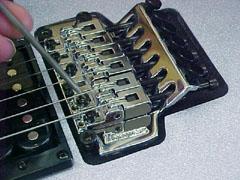 handmade-guitars-inton3